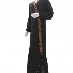#202110 عباية سودا لف مع كلفه